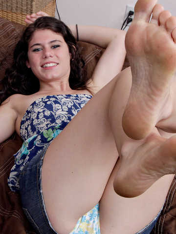 Lexy Lotus in footfetish